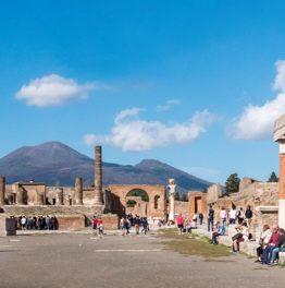 Economia in Campania tra leggero rallentamento congiunturale e spinte dal turismo